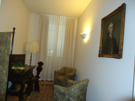 Hotel Tiferno: ambienti comuni esterne alle camere