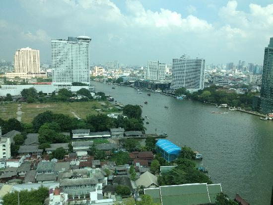 The Peninsula Bangkok: uitzicht vanaf onze kamer