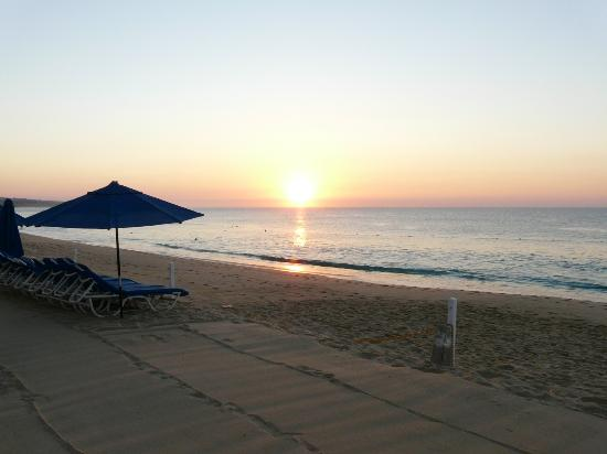 Pueblo Bonito Los Cabos: Sunrise on Medrano Beach