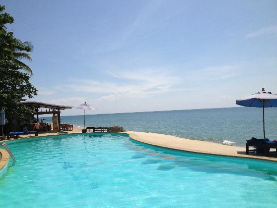 Amantra Resort & Spa: Pool