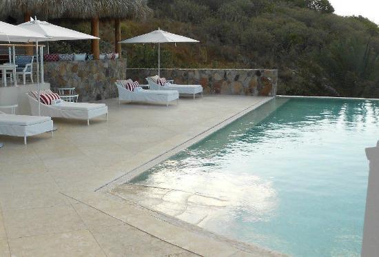 YCCS - Yacht Club Costa Smeralda: Pool area