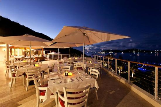 YCCS - Yacht Club Costa Smeralda: Outdoor dining area with spectacular view