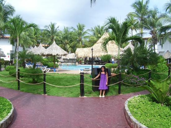 Isla Caribe Beach Hotel: Piscina área Cascada
