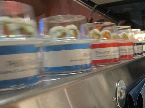 Blue C Sushi: Conveyor belt whizzes by!