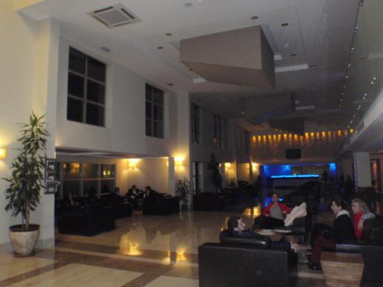 Adrina Termal Health Spa Hotel: Lobby area