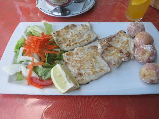 El Amanecer: Delicious local fish!