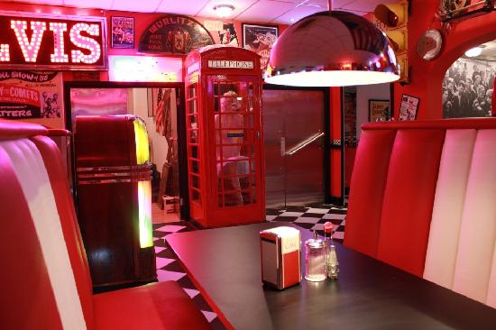 Rockwell's Diner: Booth
