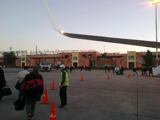 Riad Karmela: Arrivée à l'aéroport