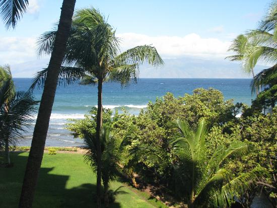 Aston Kaanapali Shores: Looking towards beach from the lanai