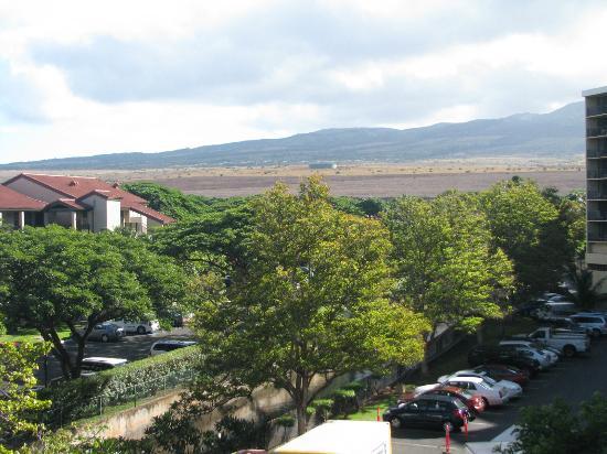 Aston Kaanapali Shores: Looking inland from the lanai 