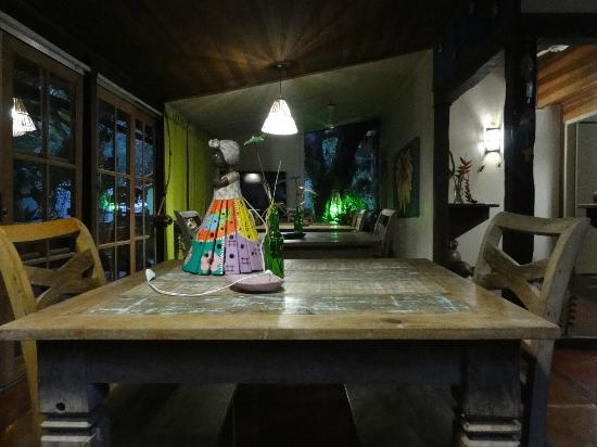 Pousada Riacho dos Cambucas: Breakfast area
