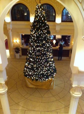 Cavallino Bianco Family Spa Grand Hotel: hall