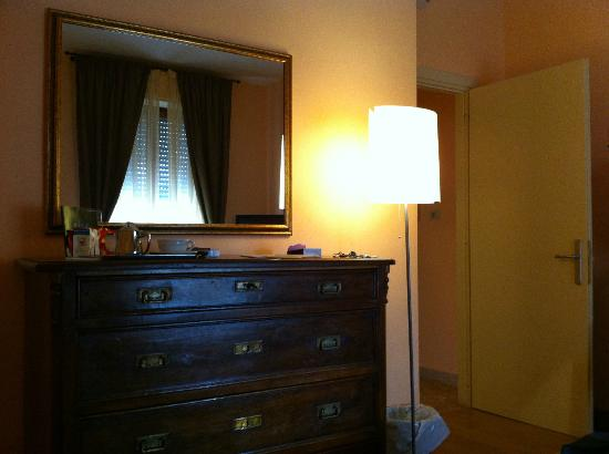 Hotel Posta Marcucci: Particolare della camera (superior)