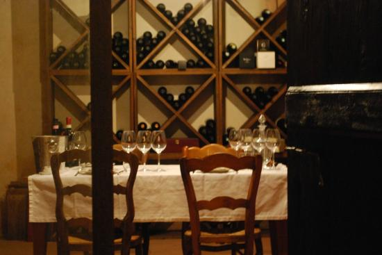Ca Alfieri al 30 B&B Camere di Charme: degustazione vini in cantina