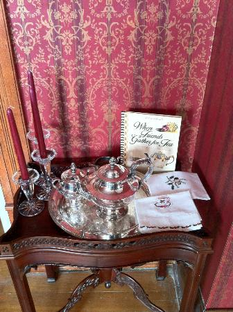 Grand Avenue Bed and Breakfast: silver tea set