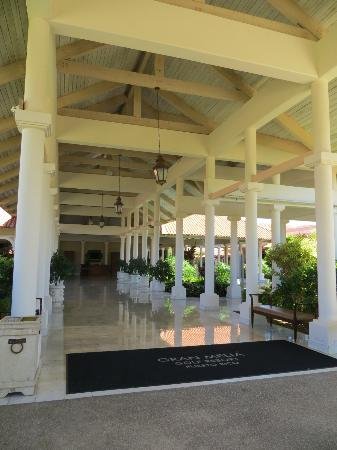 Melia Coco Beach: MainBldg2