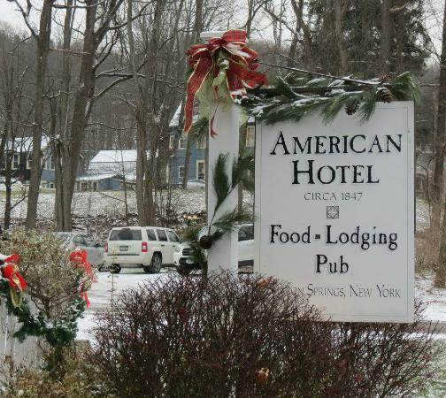 The American Hotel Restaurant: Festively decorated for the holidays
