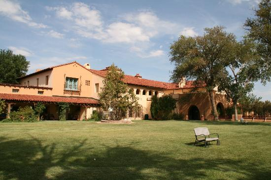 La Posada Hotel: The Grounds