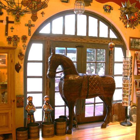 La Posada Hotel: The Lobby