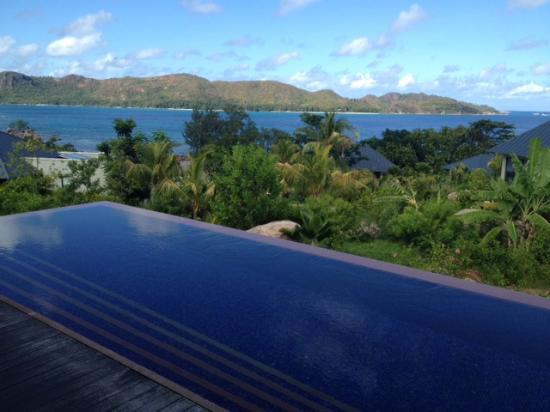 رافلز براسلين سيشيلز: View rom villa 