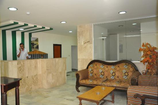 Orient Prince Hotel : Reception Area