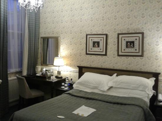 Royal Hotel: Standard room