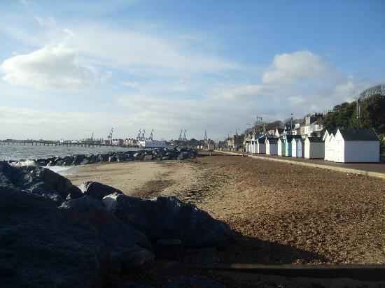 City Sightseeing Felixstowe: beach and sea view