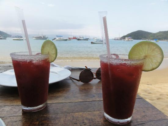 Cafe do Mar : Strawberry caipirinhas. What a life!