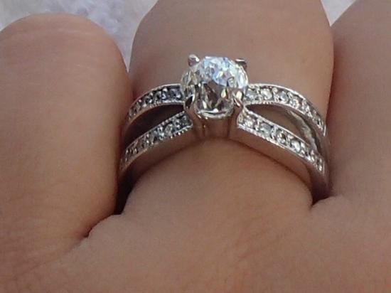 Diamonds International: Crown Of Light Diamond