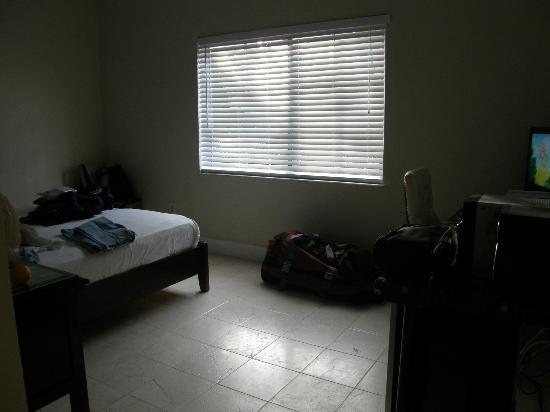 Century Hotel: Bedroom
