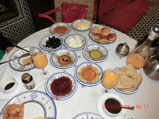 Riad Dar Tafilalet: uno de los desayunos que nos preparaba Mohamed