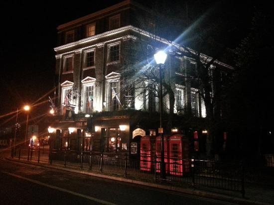 Innkeeper's Lodge London Greenwich: From outside