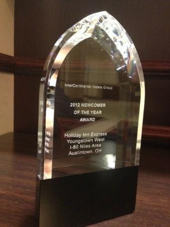 Holiday Inn Express Hotel & Suites Youngstown W - I-80 Niles Area : Experience our AWARD WINNING hospitality