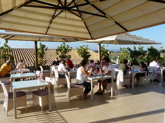 Hotel Borgo Pantano: Breakfast Terrace