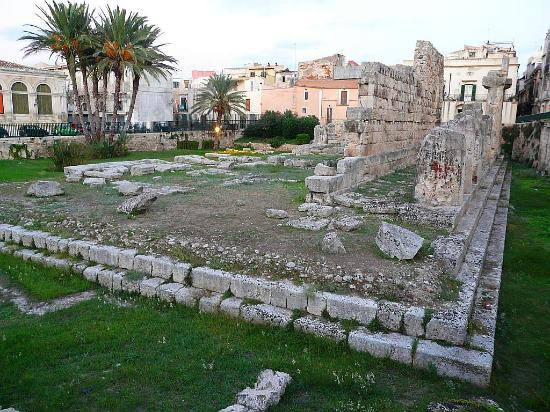 Hotel Borgo Pantano: Temple of Apollo, Ortigia (Syracuse)