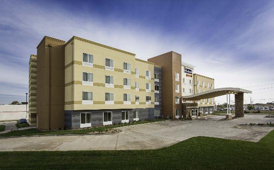 fairfield inn suites hutchinson 129 1 6 7 updated 2019 rh tripadvisor com