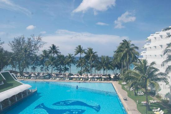 Le Meridien Phuket Beach Resort: view from the huge balcony