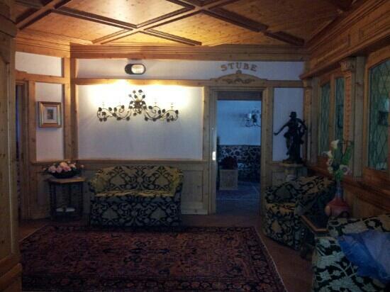 Hotel Cristallo: hall