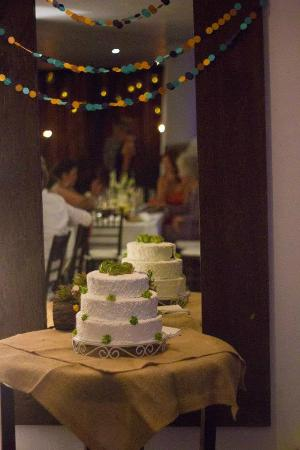Le Reve Hotel & Spa : Wedding Cake