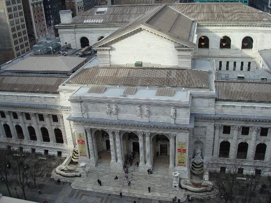 แอนดาซ 5thอเวนิว: NY Public Library, as seen from the room.