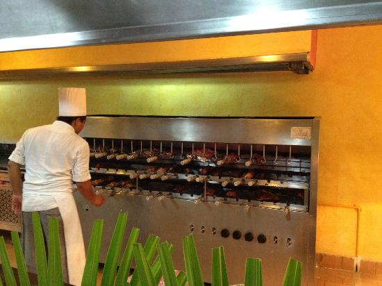 Luxury Bahia Principe Akumal Don Pablo Collection: Gran Tortuga Restaurant - Tasty Grilled Meats