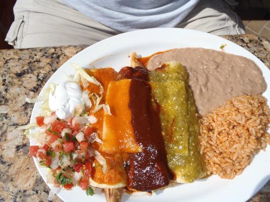 Mexico Bravo Cantina Bar & Grill: Enchiladas