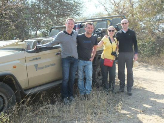 Vuyani Safari Lodge: The Gang. Right before our outside lunch.