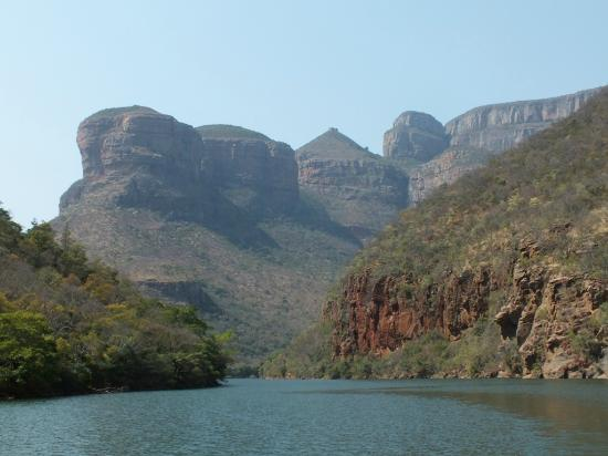 The Vuyani Safari Lodge: Blyde River Canyon. Boat Trip. Beautiful