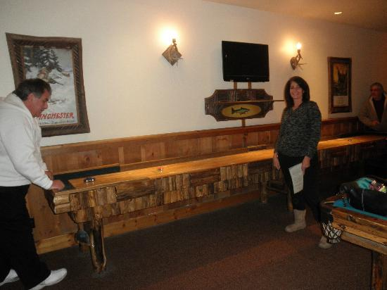 The Whiteface Lodge: Game room