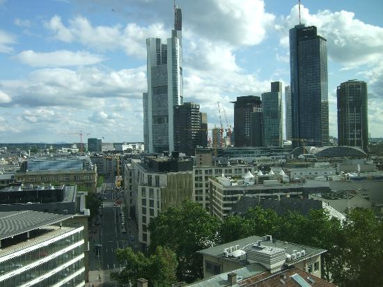 Hilton Frankfurt City Centre: View from room