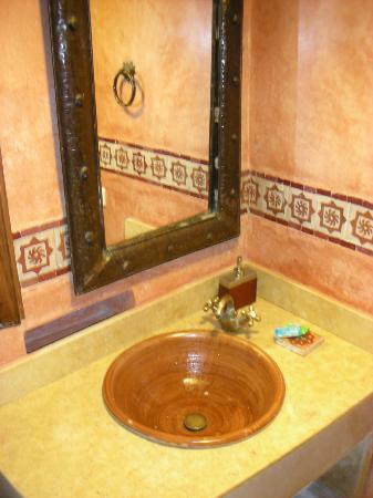 Hotel Riad Casa Hassan Restaurante: Hotel Riad Casa Hassan our bathroom