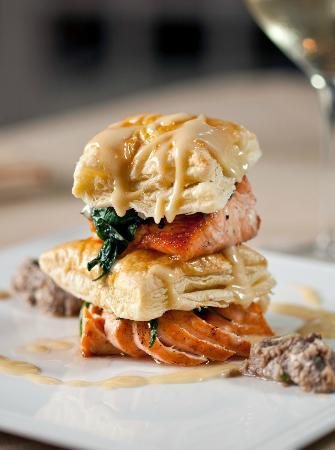 David's Restaurant & Lounge: Salmon Napolean