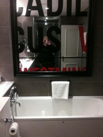 Le Meridien Piccadilly: salle de bain