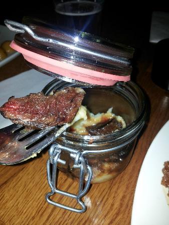 Islenski barinn : Jar of Whale and Potato Puree
